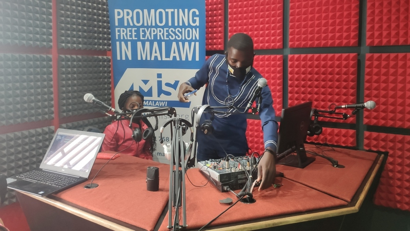 12 broadcasters acquire radio production skills